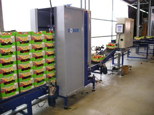 tomato tomaten crops stacker transport groente tansport systeem system stapelaar